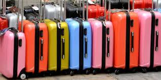 Supplemento bagaglio a mano, Antitrust sospende nuova policy di Ryanair e Wizz Air